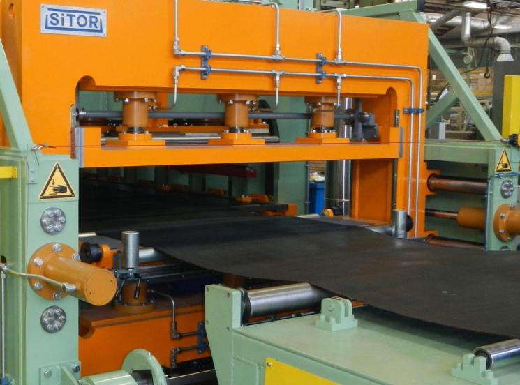 Оборудование по производству конвейерных лент рольганг универсальный 3000 мм